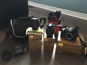 D5200 dx 55-20 dx 18-55 lens full kit mint condition stand