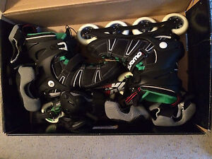Like new men's rollerblades!!