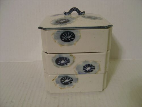 VINTAGE SET OF 3 SQUARE IVORY AND COBALT BLUE PORCELAIN STACKING BOXES WITH LID