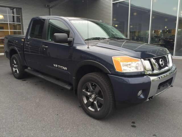 Imagen 1 de Nissan Titan  gray
