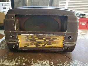 AWA MODEL 528 MA TUBE RADIO