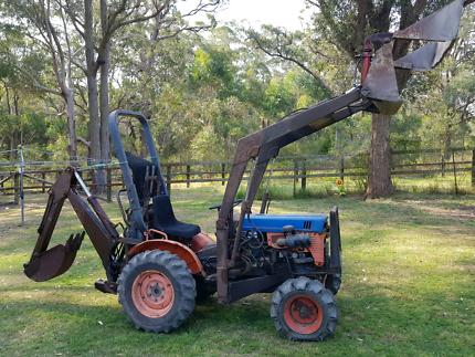 Swap tractor / backhoe loader for 4x4 turbo diesel ute v8