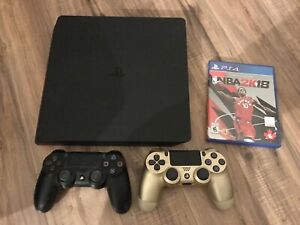 PS4 slim 1TB + extra controller