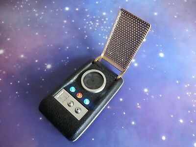 STAR TREK CLASSIC ORIGINAL SERIES COMMUNICATOR ELECTRONIC LIGHT & SOUND PROP TOY