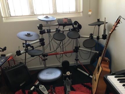 Yamaha electric drum DTXPLORER
