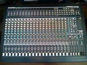 Console Behringer Mx 2442A