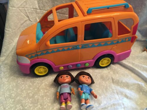 Dora Explorer Vamaos talking van 2003 with music and sounds. Comes with 2 figure