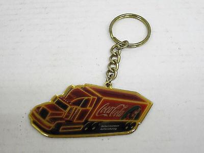 Coca-Cola Weihnachtstruck als Schlüsselanhänger, Länge 8 cm, guter Zustand