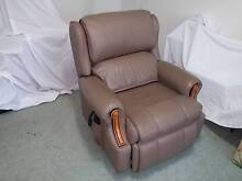 Electric leather riser-recliner chair Yowie Bay Sutherland Area Preview
