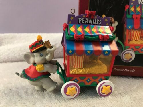 Christmas ornament carlton cards elephant peanut cart peanut parade EX6818