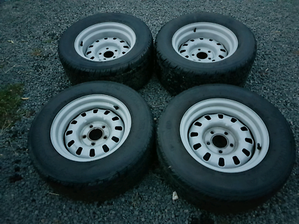 Ford 12 slotters roh 14x7 14x8 235 265 tyres
