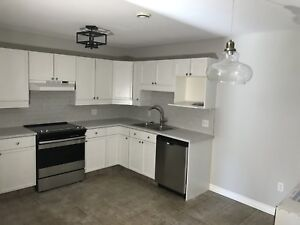 2 Bedroom, Stratford, newly renovated, heat incl