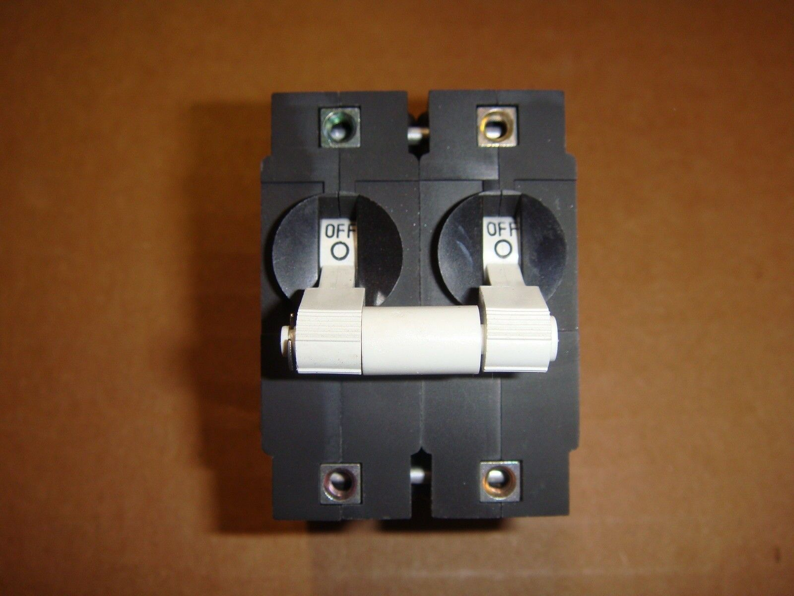 Airpax 15 Amp Dual Boat Circuit Breaker Switch White Toggle, IEGHF66-33501-15-V