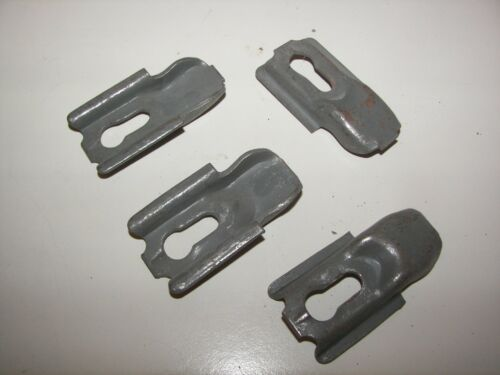 Lot of 20 Industrial Shelf Clips Lyons Old Style NO PINS FREE SHIPPING!!!