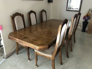 Complete Dining Room Set for Sale in Stoney Creek.
