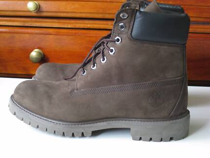 """Men's Boot """"TIMBERLAND"""" Size AU 7 - US 8 - DARK BROWN color"""