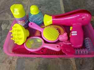 Hairdresser & Hair Mannequin Toy Set Wantirna Knox Area Preview