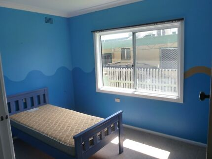 Three rooms available in a friendly house in a quiet street Goulburn 2580 Goulburn City Preview