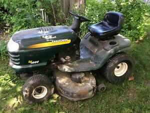 Tracteur tondeuse à gazon Craftsman LT1000