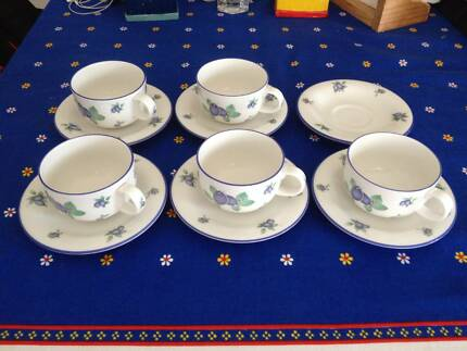 Royal Doulton Everyday Blueberry TC1204 5 Teacups 6 Saucers & Royal Doulton Everyday \