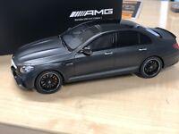 Edition 1 1:18 nachtschwarz Original Mercedes-AMG E63 4Matic