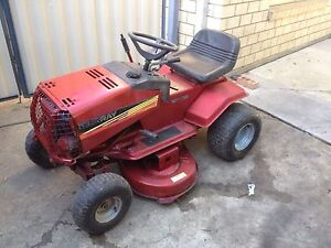 Ride on mower Murray 12 hp Briggs and straton Lawnton Pine Rivers Area Preview