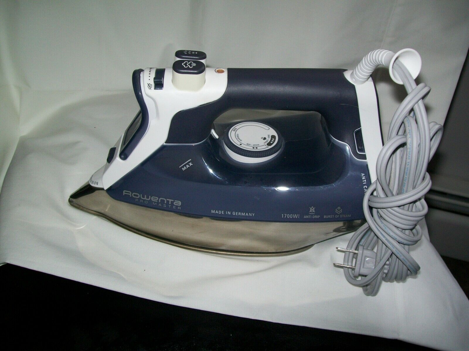 ROWENTA PRO MASTER  Iron - Made in GERMANY Works Perfectly!