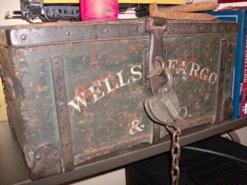 WELLS FARGO & CO. ORIGINAL WOODEN TREASURE BOX WITH ORIGINAL LOCK & KEY (L@@K)