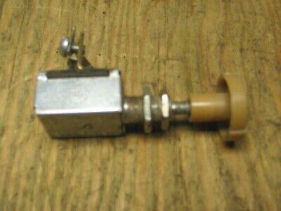 John Deere 950 Flasher Switch M800365