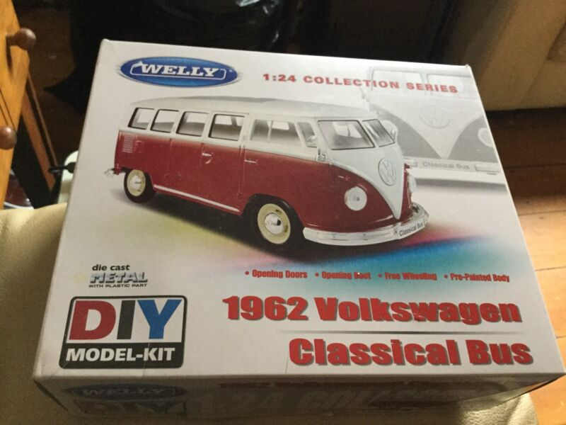 WELLY 1962 VOLKSWAGEN CLASSICAL BUS RED 1 24 SCALE DIY KIT