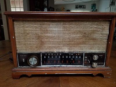 Vintage Zenith TUBE Radio Long Distance AM/FM  Wooden Case
