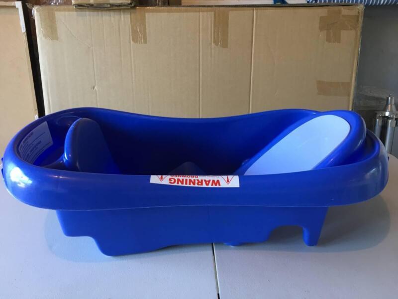 Baby Bath with newborn mesh insert | Baths | Gumtree Australia ...