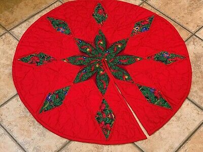 "HOLIDAY XMAS TREE SKIRT QUILT PATCHWORK RED GREEN HANDMADE STAR 31"" ROUND LN"