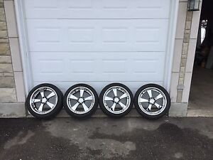 "19"" Chrome Rims"