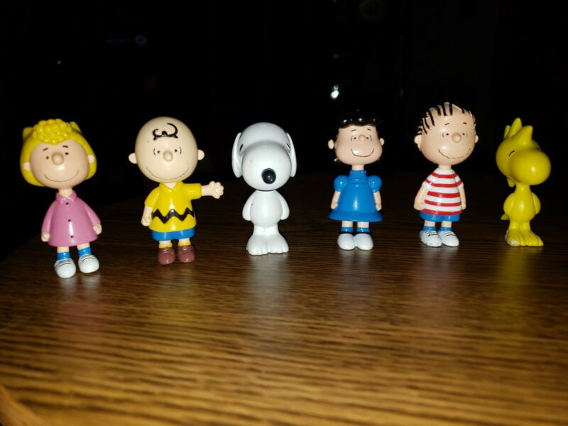 Lot Of 6 2011 Peanuts Gang
