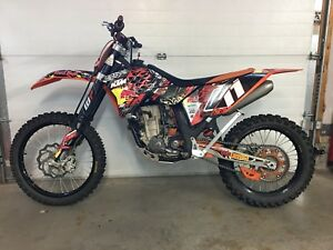 KTM SXF250 dirt bike motocross