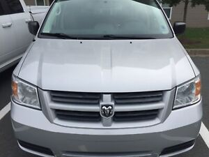 2010 Dodge Grand Caravan SE V6 3.3 L !! New Price