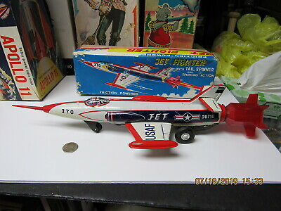 JET FIGHTER USAF TIN FRICTION TAIL SPINNER SPARKING PLANE IN BOX WORKS 60s RARE