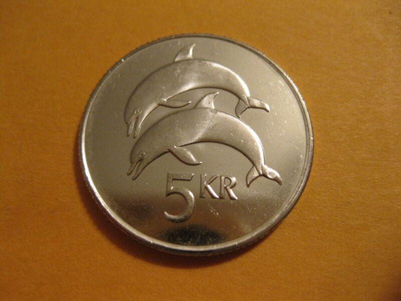 "1996 Iceland Coin,  5 Kronur   ""DOLPHINS""  uncirculated beauty,  animal coin"