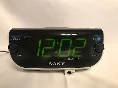 Sony Dream- Machine FM/AM CD Dual Alarm Clock Radio ICF-CD815  Aux Input White