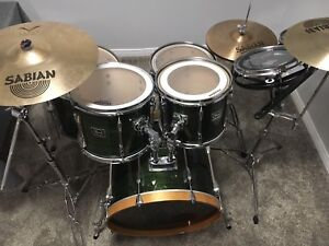Complete Pearl Drumset