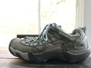 Keen women hiking shoes / size 8.5 / slightly worn