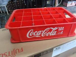 COCA COLA  HEAVY  MOULDED   RED  PLASTIC  SODA  BOTTLE  CRATE Palm Beach Gold Coast South Preview