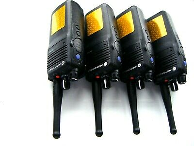 4 X MOTOROLA  DP3400 DIGITAL/ANALOGUE UHF PROFESSIONAL MOTOTRBO TWO WAY RADIOS