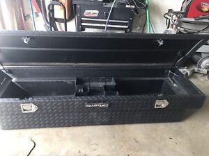 Diamond plate DEE ZEE tool box full size truck