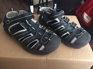 Sandals - Size 4 - 'George'