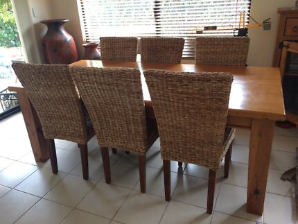 6 Ratten Dining Room Chairs