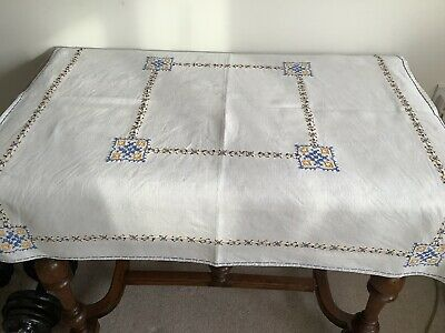 Table Covers European-style Florets Embroidered Cotton Linen Dinner Tablecloth