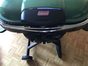 Coleman portable grill+cover+3 portable propane tanks