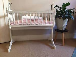Bassinet and Sheets Hornsby Hornsby Area Preview
